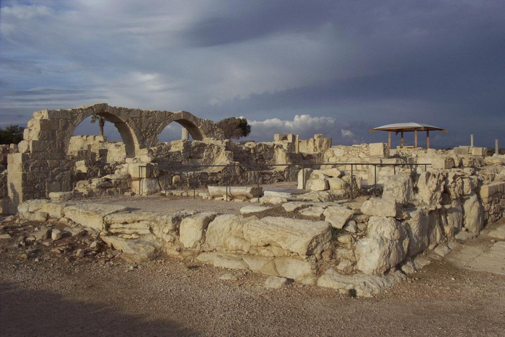 Руины раннехристианской базилики. Автор: Mikeachim. Фото:  www.flickr.com
