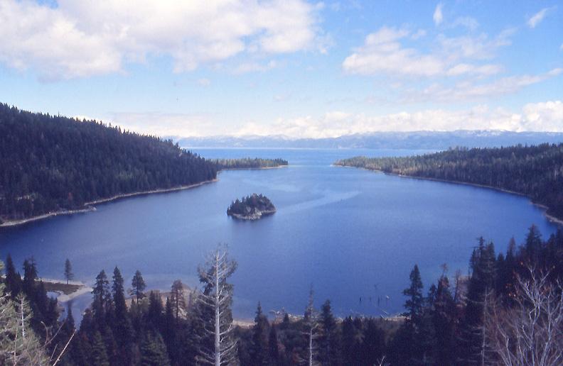 Озеро Тахо. Фото с сайта tonkosti.ru