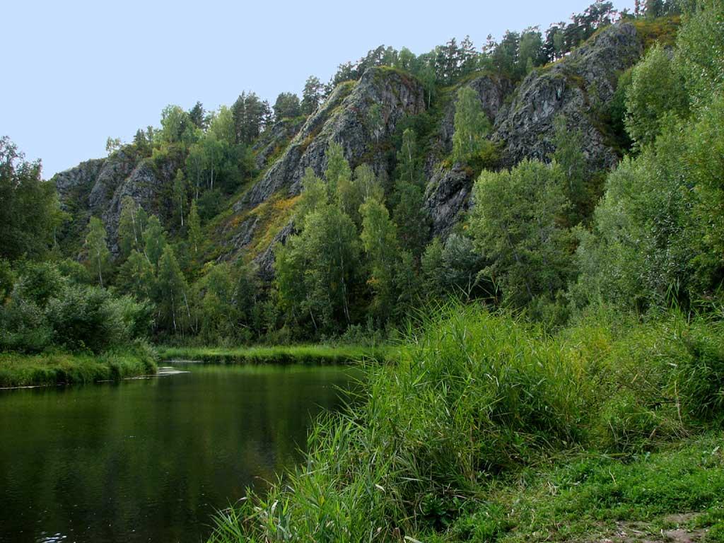 У подножия Бердских скал. Автор фото: Балацкий Н. Н.    www.balatsky.ru