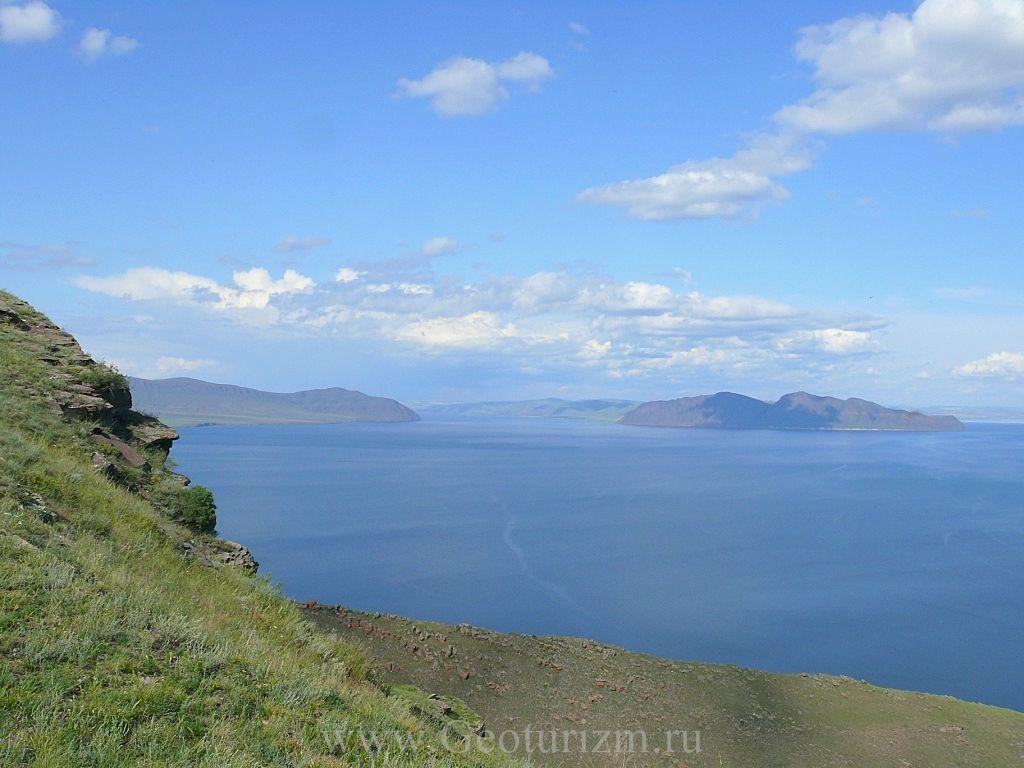 Вид с вершины горы. Фото: www.geoturizm.ru