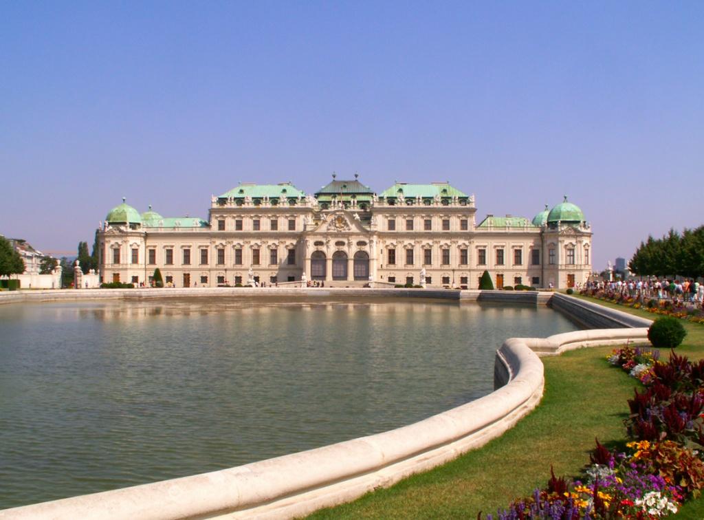 Дворец Бельведер. Фото:  tonkosti.ru
