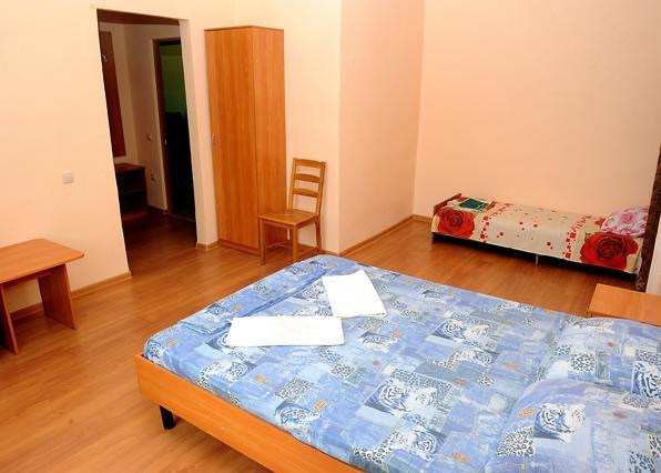 1 комнатный, 3-х местный номер. Фото: asteriayeisk.ru