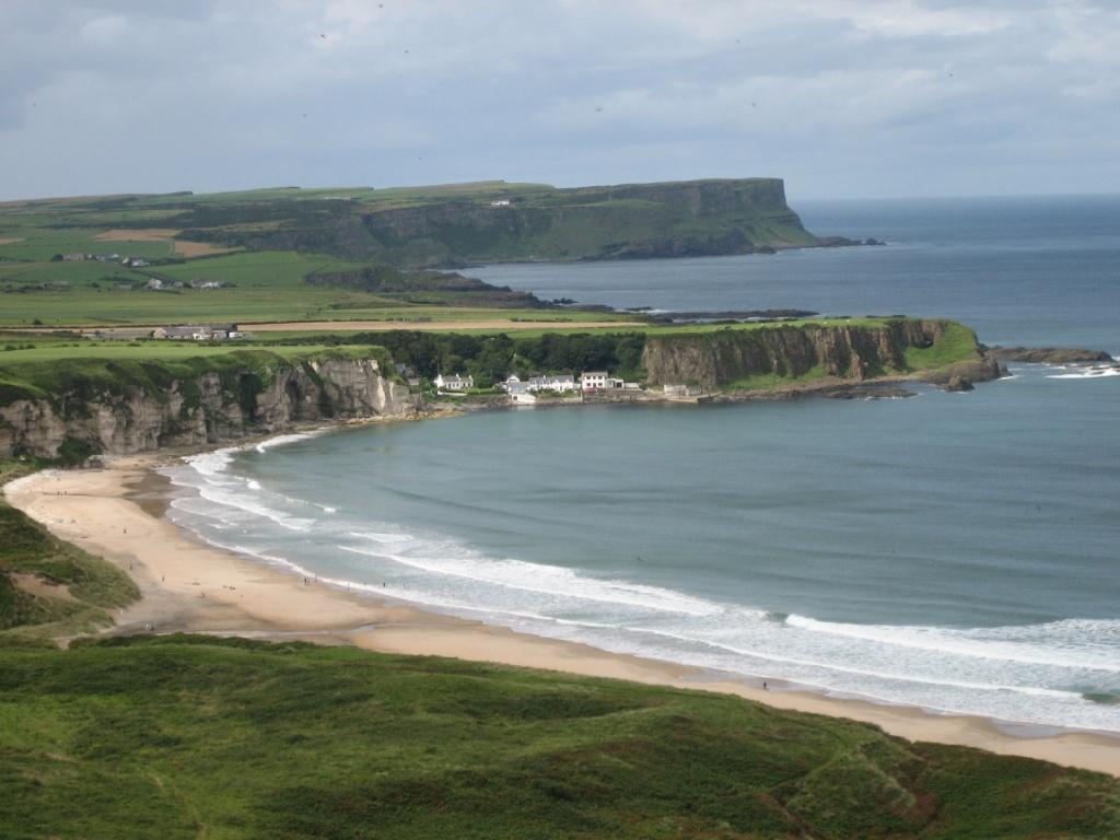 Северная Ирландия. Фото:    Leslie Shaw
