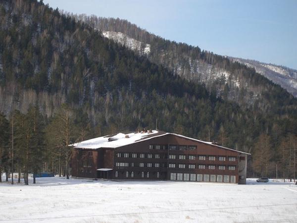Спорт-отель ''Гладенькая''   www.ski.ru