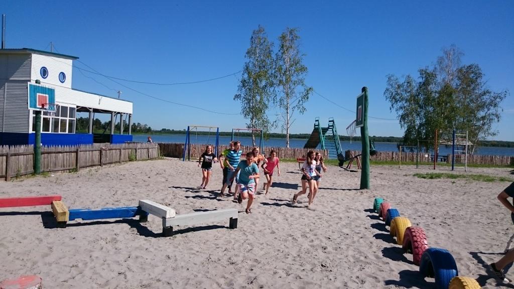 Детская и спортивная площадки