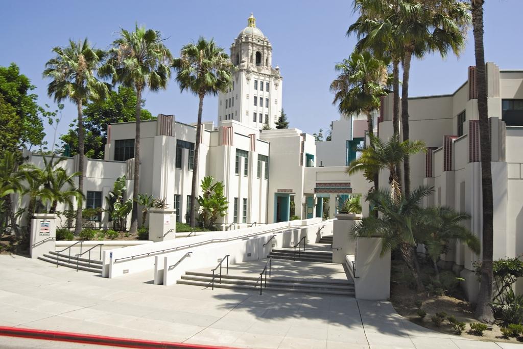 Беверли Хилз. Лос Анджелес. Фото с сайта tonkosti.ru