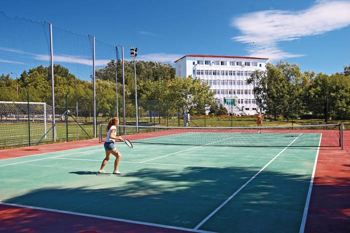 Теннисный корт. Фото: www.anapa-parus.ru