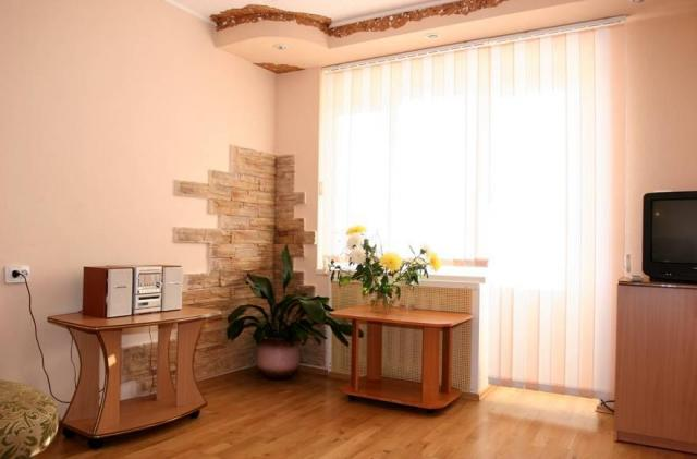 Гостиная номера «Люкс». Фото: stroitel.tom.ru