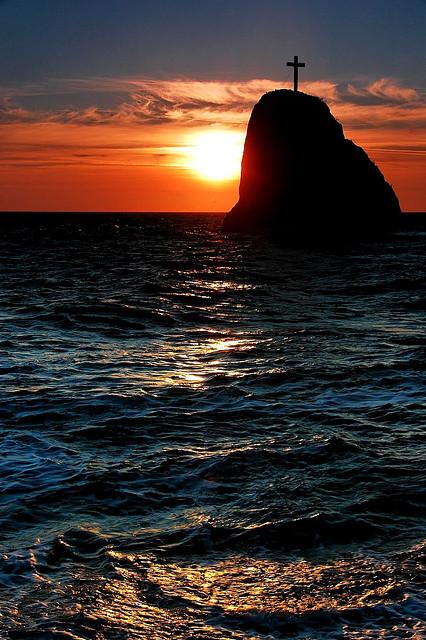 Скала Св. Георгия. Фото с сайта  tonkosti.ru