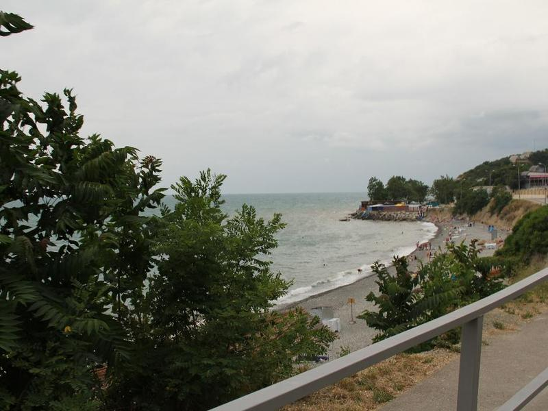 Пляж в пос. Широкая балка. Фото: www.brwa.ru