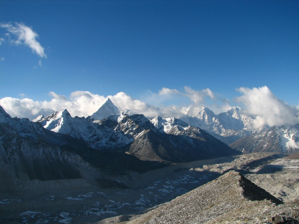 г. Ама-Даблам и горные пики в регионе Кхумбу, Гималаи. Автор: mckaysavage. Фото:  www.flickr.com
