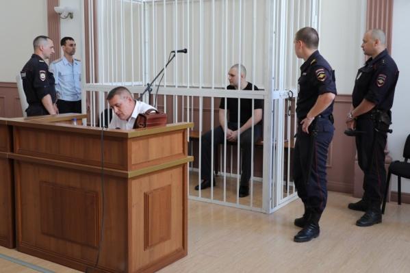 Сегодня Александр Масленников не захотел отвечать на вопросы прокурора
