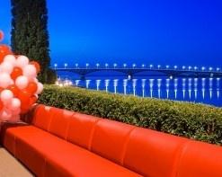 «Много Мебели» создала самый большой диван в мире