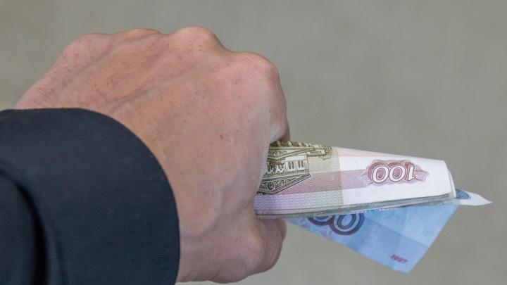 Житель Самарской области заплатит штраф за агрессивное поведение и попытку сбежать из зала суда