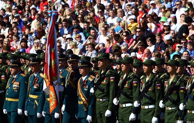 На Парад Победы самарцы снова попадут только по пригласительным билетам