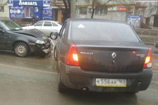 Авария произошла в районе дома № 52 на улице Пензенской
