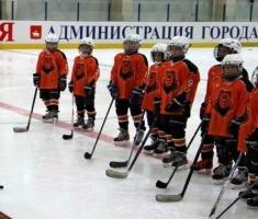 В СК «Победа» начались тренировки детских спортшкол