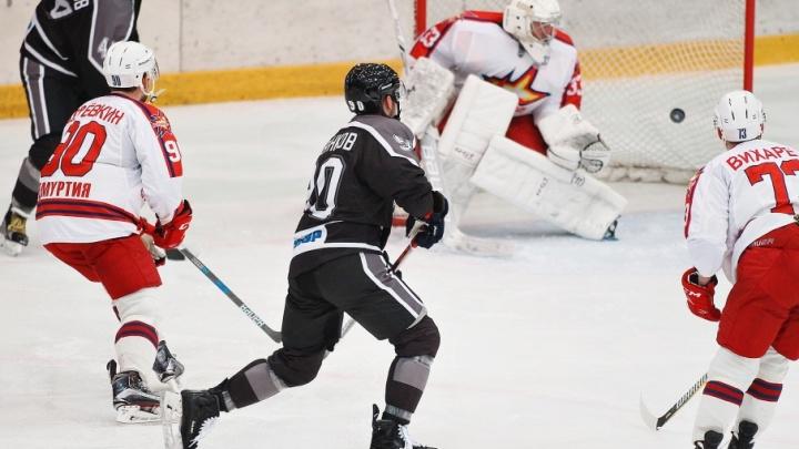 Тюменские хоккеисты проиграли команде из Ижевска