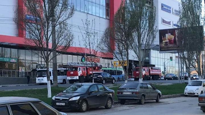 Посетителей ТЦ «Аврора» эвакуировали из-за ложной пожарной тревоги