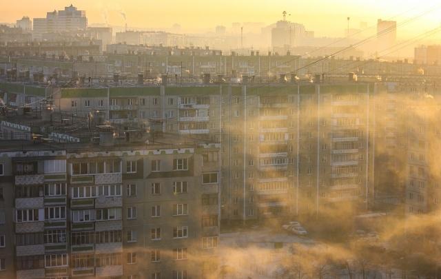 Челябинцы пожаловались на резкий химический запах в воздухе