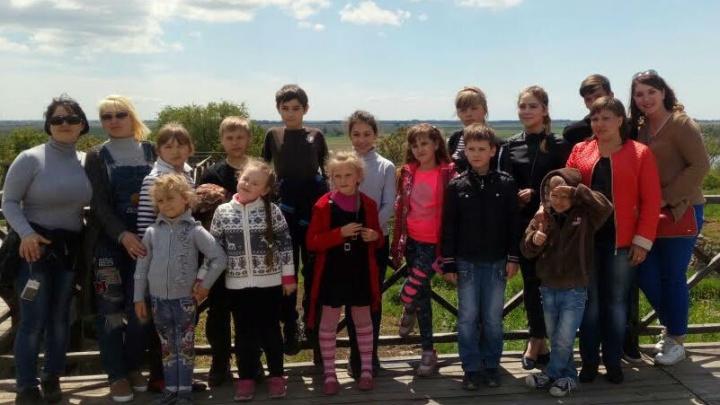 Для сирот Донбасса провели экскурсию по Ростовской области