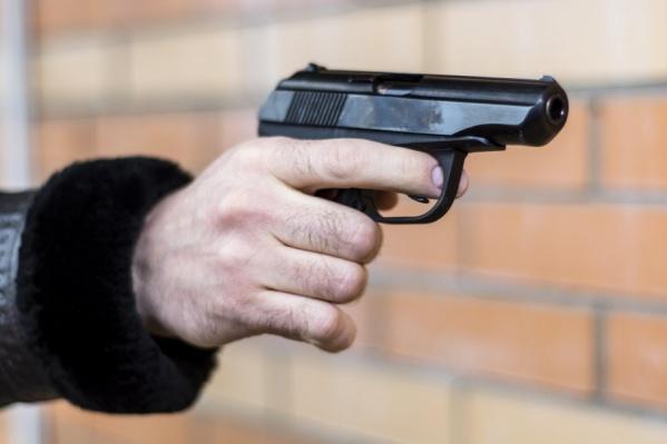 В Ростове разыскивают водителя, устроившего стрельбу на дороге