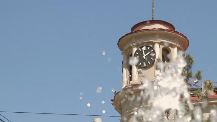 Ростовское время: рассматриваем изнутри часы ЦУМа