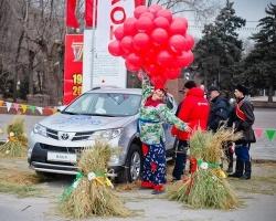Городская Масленица совпала с презентацией нового Toyota RAV4