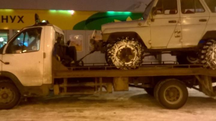 В Северодвинске судебные приставы заставили водителя попрощаться с ВАЗом