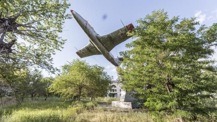 «Первым делом самолёты?» В Волгограде ищут деньги на самолеты-памятники
