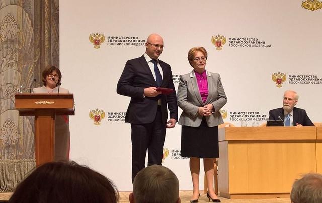 Директор ростовского онкоинститута получил медаль «За заслуги перед отечественным здравоохранением»