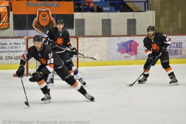 Молотобойцы не смогли обыграть хоккейный клуб из Питера