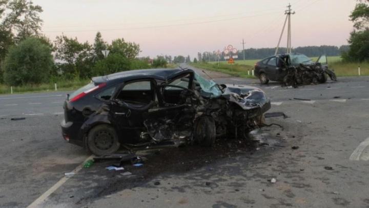 «Форд-Фокус» всмятку: двое жителей Самарской области погибли в ДТП в Чувашии