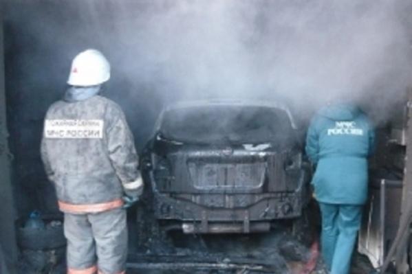Пожар произошел из-за замыкания электропроводки
