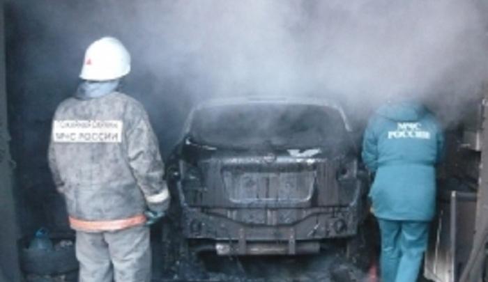 «Десятка» дотла сгорела в гараже в Ростовской области