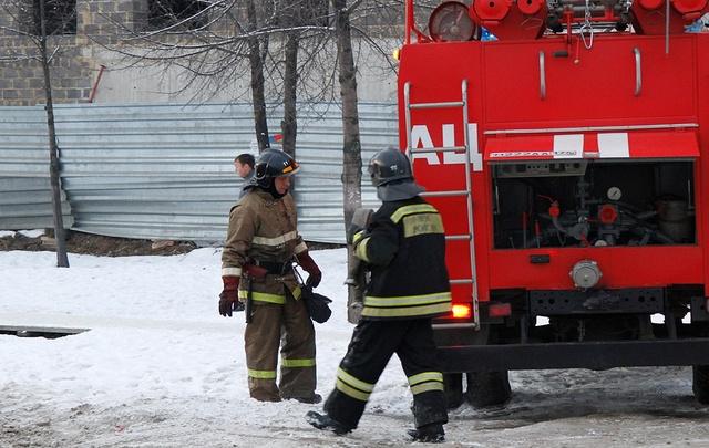 Гараж и дача едва не сгорели во время воскресных пожаров в Северодвинске