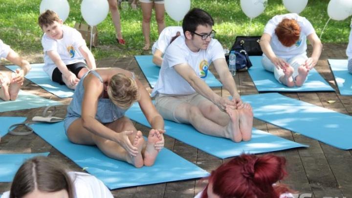 Магазины с правильной едой и мехенди: ярославцы отметят День йоги