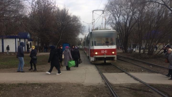 На Ташкентской женщина попала под трамвай