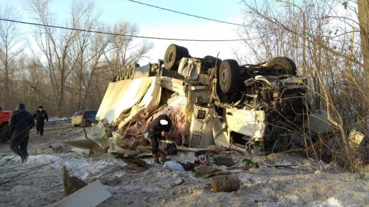 «У грузовика отказали тормоза»: в ДТП у Жигулевской ГЭС погиб пассажир автобуса