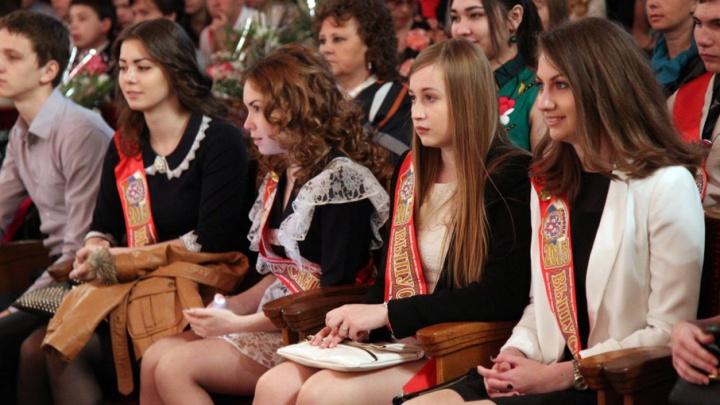 Глава Челябинска призвал полицию и учителей основательно подготовиться к выпускным