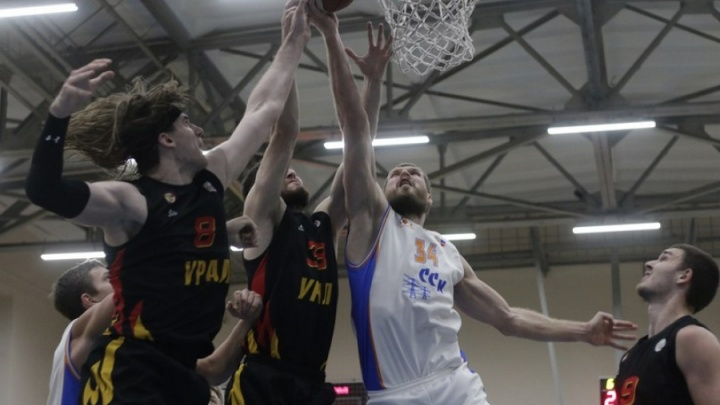 «Грифоны» вырвались вперед: БК «Самара» уступил «Уралу» в домашнем матче 89:93