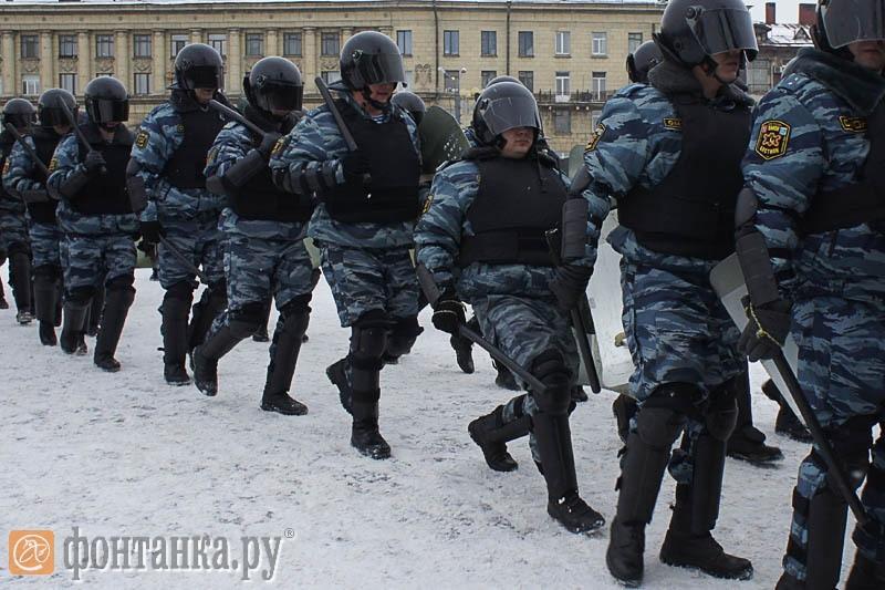 """Пресечение """"беспорядков"""" перед стадионом"""