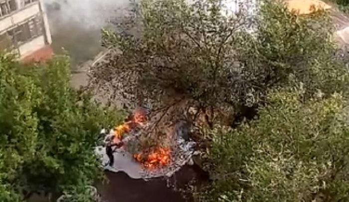 На севере Волгограда за несколько минут сгорел автомобиль