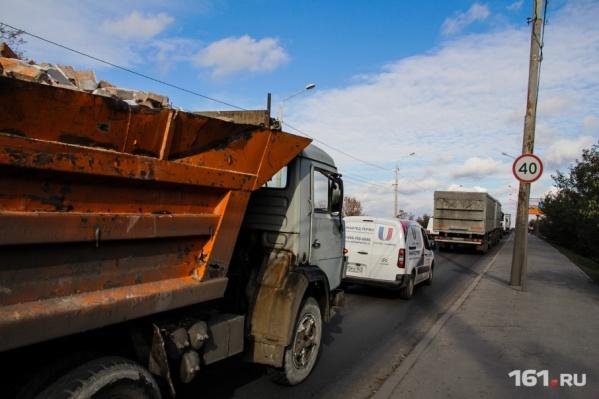 Через Ростовскую область едет все больше грузовиков