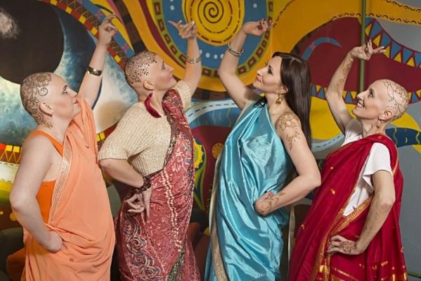В фотосессии участвовали четыре онковыздоравливающие девушки