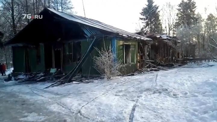 «Нас подожгли»: почему у санатория «Красный холм» сгорел дом на восемь семей