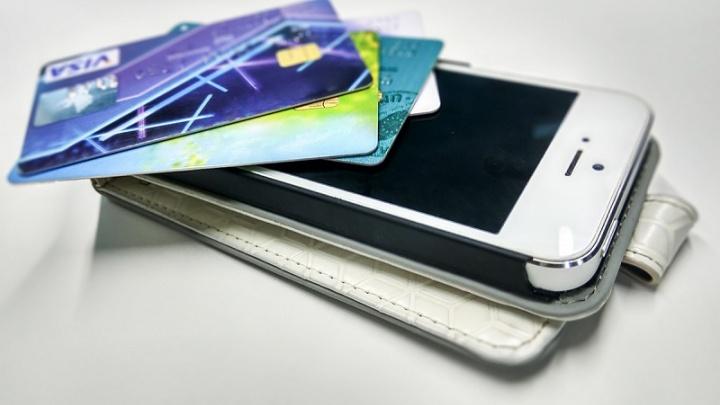 Челябинцы стали в три с половиной раза чаще оплачивать покупки с мобильников