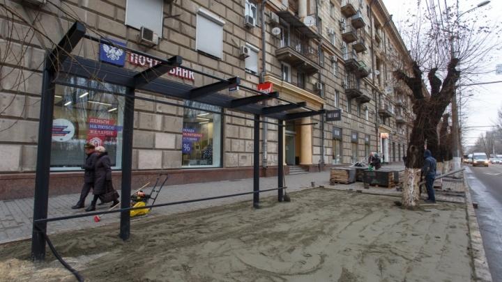 Волгоградцы игнорируют новые остановки «Центральный рынок» и «Комсомольская»