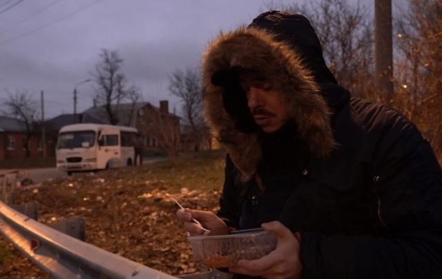 Московские телевизионщики предложили ярославцам фотографировать и обнимать бомжей