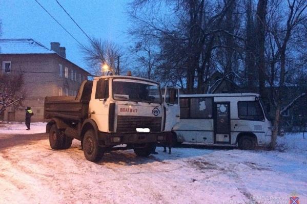 Несчастье произошло возле дома №38 по улице Веселая Балка